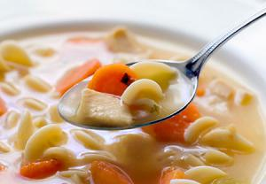 درمان طبیعی سرماخوردگی و آنفولانزا با سوپ مرغ