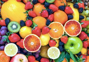 مصرف مواد غذایی غنی از ویتامین C در ماه هفتم بارداری