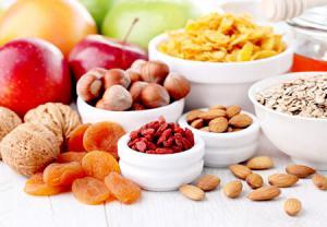 برای پیشگیری از بیماری آلزایمر ، غذاهایی از این ۱۰ گروه ، انتخاب کنید