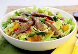باور غلط دوم: مصرف سالاد در ابتدای غذا ایده خوبی برای لاغری است
