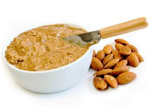 کره بادامزمینی و بادام بهترین تنقلات برای افراد دیابتی