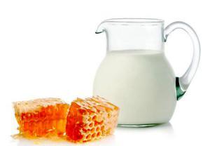 درمان جوش صورت با شیر و عسل ( یا ماست)