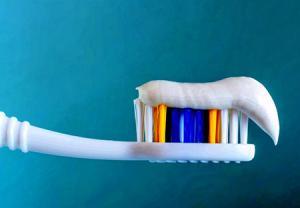 درمان زخمهای دهانی با تغییر خمیر دندان