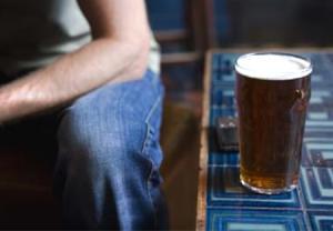 اجتناب از مصرف الکل بعد از کشیدن دندان عقل