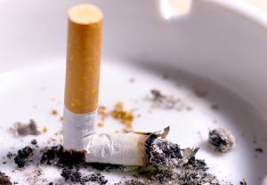 از چند روز قبل از کشیدن دندان ، سیگار نکشید