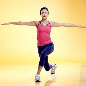 حرکت لانج از حرکات ورزشی مناسب برای داشتن پاهای زیبا - دکتر سوشا
