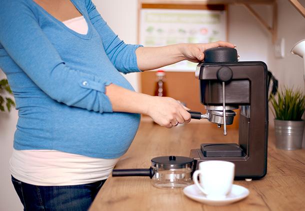 اگر مصرف چای و قهوه را کنار بگذارم چه اتفاقی میافتد؟