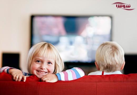 کودکان و نوجوانانی که تبلیغات تلویزیونی تماشا میکنند، بیشتر غذا میخورند
