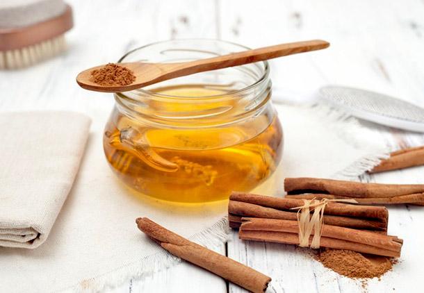درمان جوش صورت با عسل و دارچین