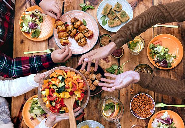 زنان زیبا اندام دنیا از غذا خوردنشان بیشتر از چاقها لذت میبرند!