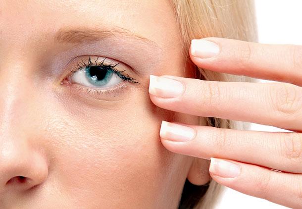 سن استفاده از کرم دور چشم چه زمانی است؟