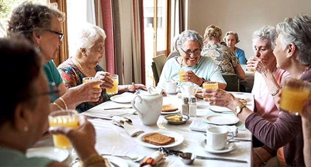 مراقبت از سالمندان : سرویسهای غذاخوری