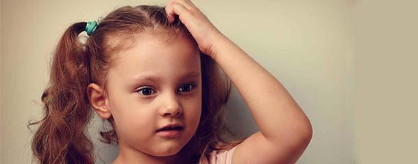 دلیل خارش سر نوزاد و کودک : خارش سر کودک