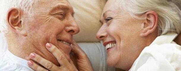 رابطه جنسی سالمندان : عشق بازی در رابطه جنسی