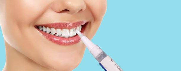 قلم سفید کننده دندان برای درمان خال های سیاه و قهوه ای دندان