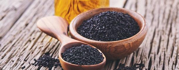 درمان فیبروم با عسل : ترکیب سیاه دانه و عسل