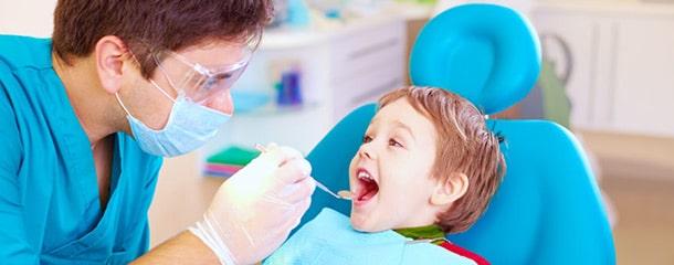 عصب کشی دندان شیری : آیا عصب کشی دندان کودکان درد دارد ؟